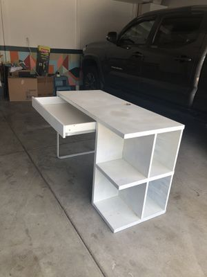Study table (used) for Sale in San Marcos, CA