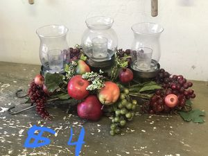 Candle / fruit basket table topper for Sale in Whiteriver, AZ