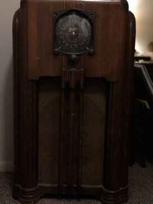 Antique Zenith Radio for Sale in Ozark, MO