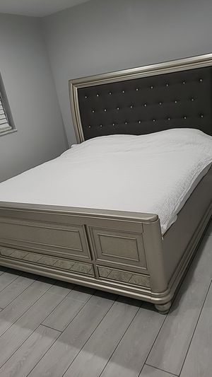 King bed frame dresser and mattress for Sale in St. Louis, MO