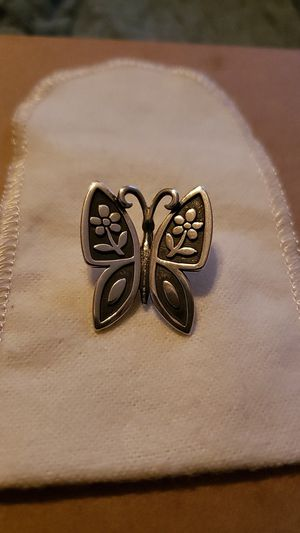 James avery RETIRED mariposa pendant (large) for Sale in Corpus Christi, TX