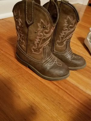 Toddler boots size 9 for Sale in Decatur, AL