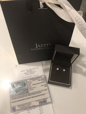 Brand new JAREDS 1 1/4 solitaire diamond earrings for Sale in Maple Valley, WA