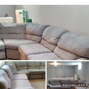Free Sectional Couch for Sale in Warrenville, IL