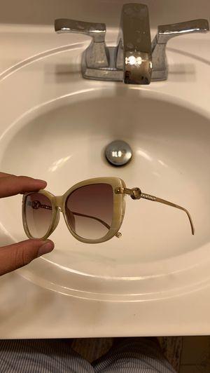 Louis Vuitton sunglasses women for Sale in Walnut, CA