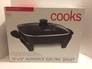 "Cooks multifunctional 12""x12"" Nonstick electric skillet for Sale in NO FORT MYERS, FL"
