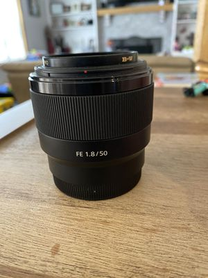 Sony FE 50mm 1.8 lens for Sale in Mukilteo, WA