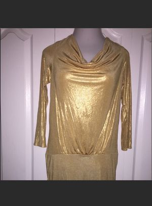 Gold dress perfect for the holidays for Sale in Saint Cloud, FL