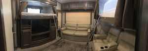 Montana High Country Fifth Wheel for Sale in Gilroy, CA