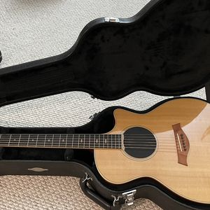 Taylor 414ce LTD 2011 looks Like New, Sound Is Perfect for Sale in Los Angeles, CA