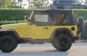 Only 134k miles Jeep Wrangler Sport 4WD for Sale in Fresno, CA