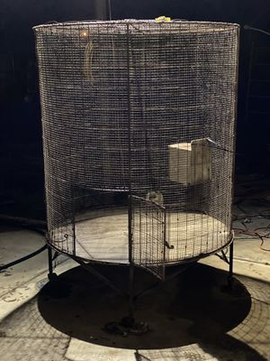 Bird cage for a parrot or big bird 6 feet tall 4 foot diameter... for Sale in Bakersfield, CA
