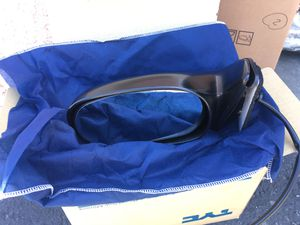 98 - 02 Toyota Corolla LE/S black left side power mirror for Sale in West Covina, CA