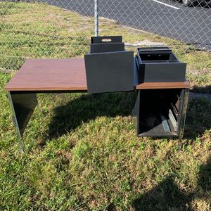 FREE - Curbside METAL desk - File drawer and Supplies drawer for Sale in Casselberry, FL