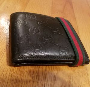 Authentic Gucci Wallet (men's) for Sale in New Haven, CT