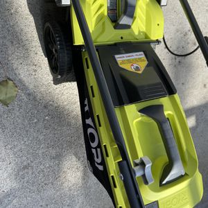 Ryobi1 8 V rechargeable mower for Sale in Buena Park, CA