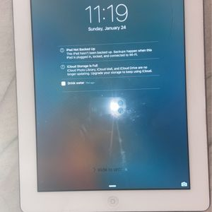 iPad Generation 1 16GB for Sale in Louisville, KY