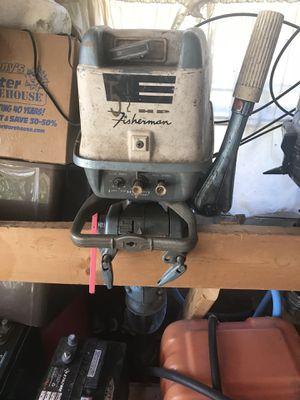 Johnson 5 1/2 hp for Sale in Peoria, IL