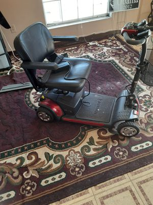 Electric wheelchair for Sale in Zolfo Springs, FL