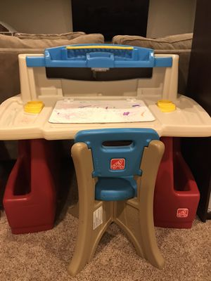 Step 2 kid Art Desk for Sale in Arlington Heights, IL