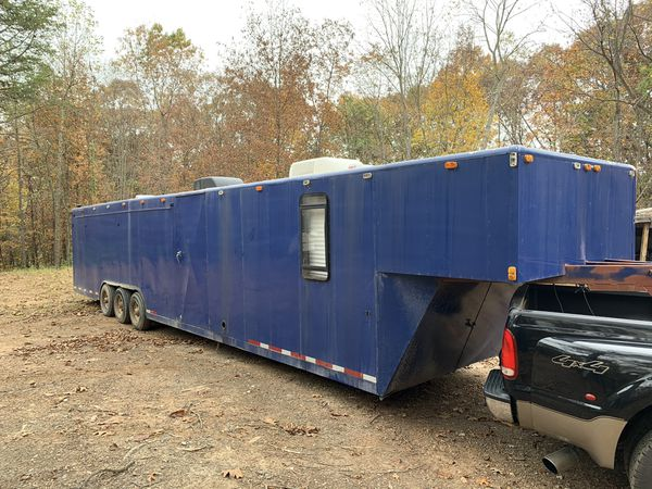 42 ft enclosed trailer