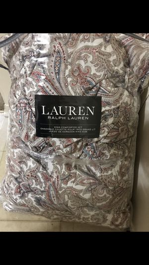 Ralph Lauren king size comforter set with 2 shams still available for pick up in Gaithersburg md20877 for Sale in Gaithersburg, MD