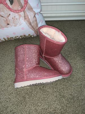 NEW Girls Pink Sparkly Ugg Boots 9 for Sale in Murrieta, CA
