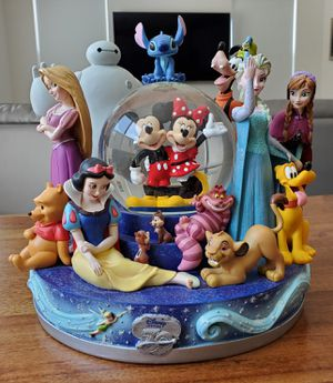 Disney Store 30th Anniversary Character Snowglobe water snow Globe Collectible statue for Sale in Placentia, CA