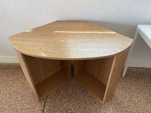 Corner desk for Sale in Phoenix, AZ