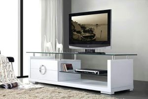 White Lacquer and glass tv stand for Sale in North Miami Beach, FL