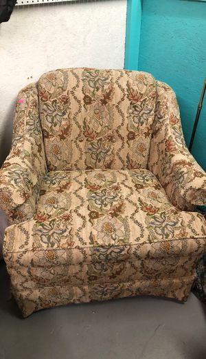 Chair for Sale in Pensacola, FL