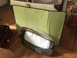 Graco Pack n' Play with bassinet/changing table for Sale in Long Beach, CA