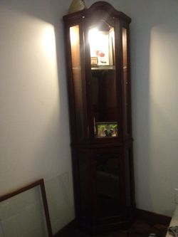 Very nice curio cabnet 4 shelves front doors for Sale in Port Byron,  IL