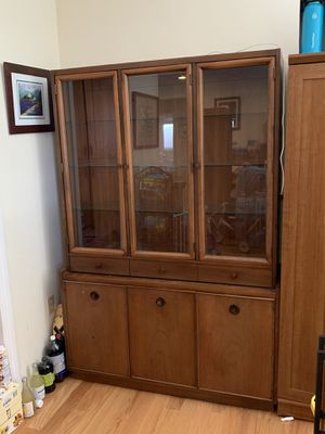 Kroehler Mid-Century Modern China Cabinet for Sale in San Jose, CA