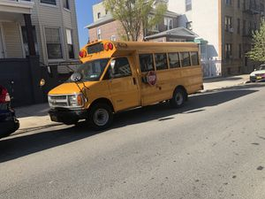 Chevy express 3500 for Sale in Bronx, NY