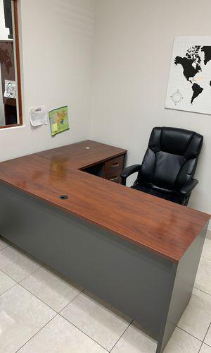 Desk for Sale in Miramar, FL