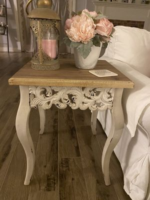 End tables and entryway table for Sale in Laveen Village, AZ