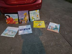 7 Giant size Spanish story books for Sale in Grand Prairie, TX