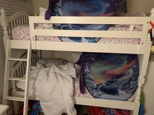 Bunk beds with 2 twin mattresses for Sale in Tampa, FL