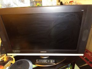 Samsung 35inch TV with remote $140 for Sale in Seattle, WA