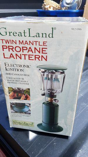Twin mantle propane lantern for Sale in East Moline, IL