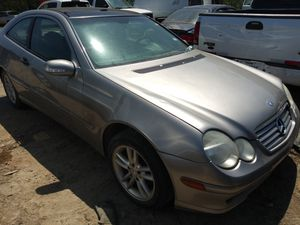 2003 MERCEDES BENZ C320 FOR PARTS for Sale in Dallas, TX
