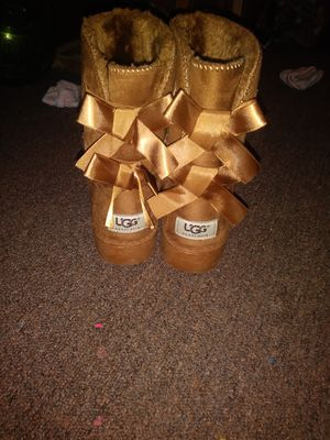 Boots girls UGG size 4 for Sale in Allentown, PA