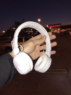 White Wireless Bluetooth Headphones for Sale in Fontana, CA