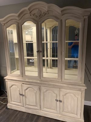 Lighted China Cabinet for Sale in St. Louis, MO