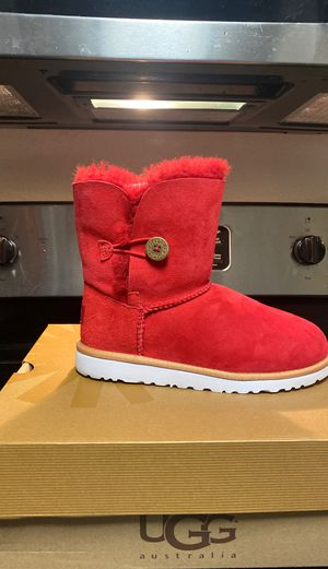 Brand new RED UGG Boots for Sale in Charlotte, NC