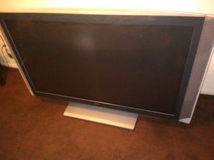 SONY 60 INCH LCD PROJECTOR TV for Sale in Lynwood, CA