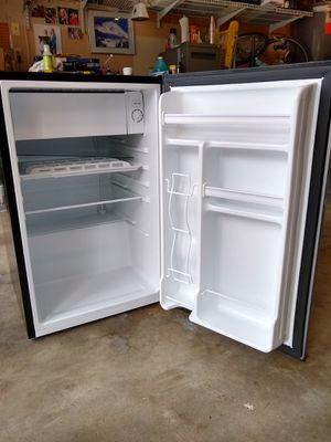 Mini refrigerator for Sale in Hillsboro, OR