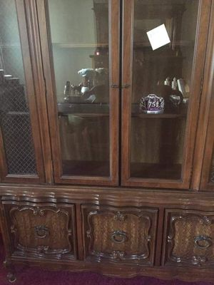 Vintage dining room complete set in great condition.****Must sell. Make me an offer!! LOCAL PICK UP ONLY! for Sale in Hamburg, NY