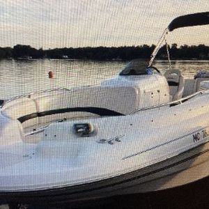 2000 Chaparral Deck Boat *negotiable* HAS TRAILER! for Sale in Newark, NJ